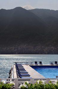 Icônica Piscina Lago Como