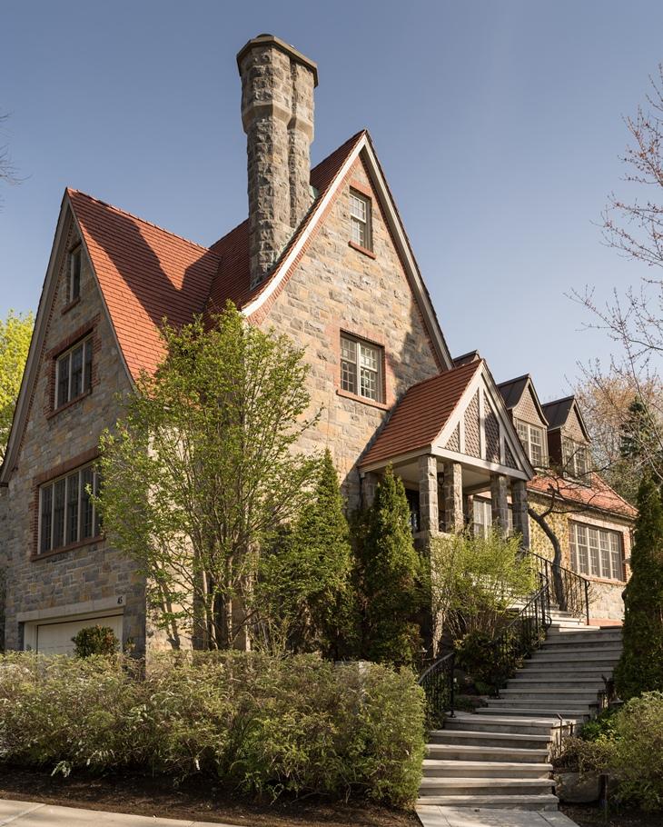 Les Ensembliers reform Tudor House in Canadá - Tempo da Delicadeza