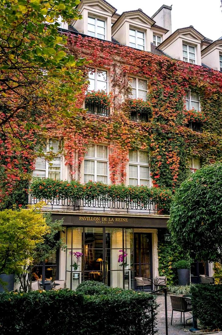 Le Pavillon De La Reine Hotel