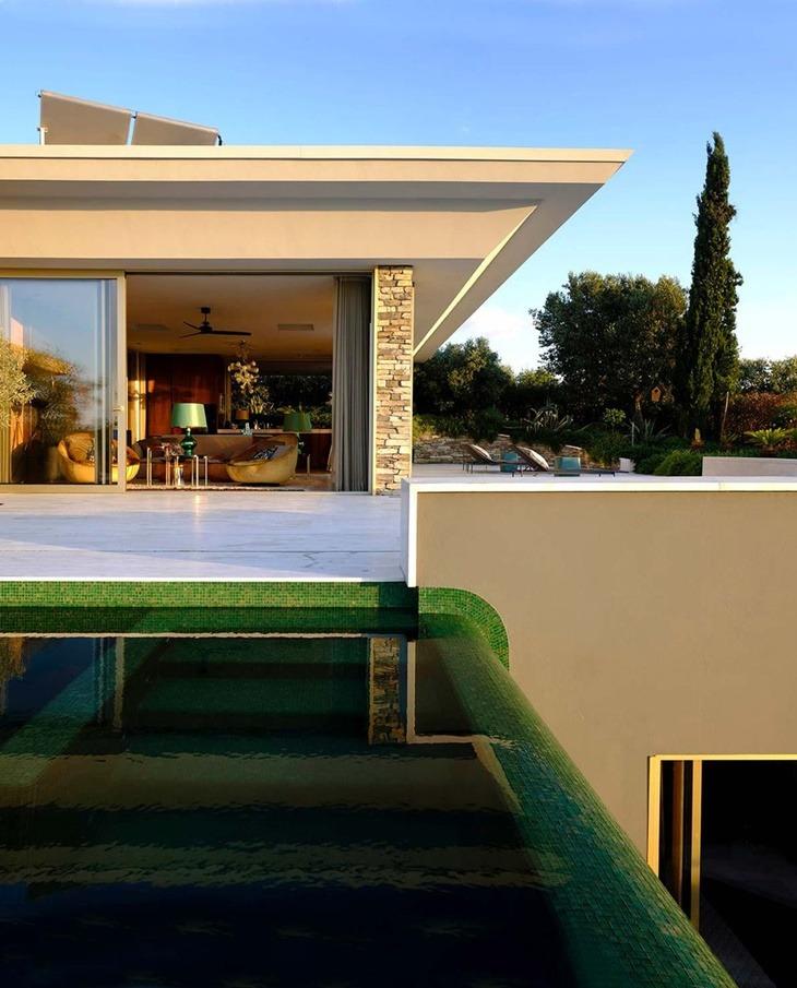 Madridexterior-piscina-cascada-casa-davide-rizzo-1558425610