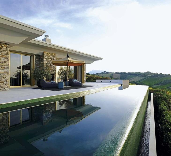 Madridpiscina-rebosane-exterior-porche-casa-davide-rizzo-1558425609